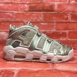 NIKE AIR MORE UPTEMPO METALLIC SILVER LOUD & CLEAR